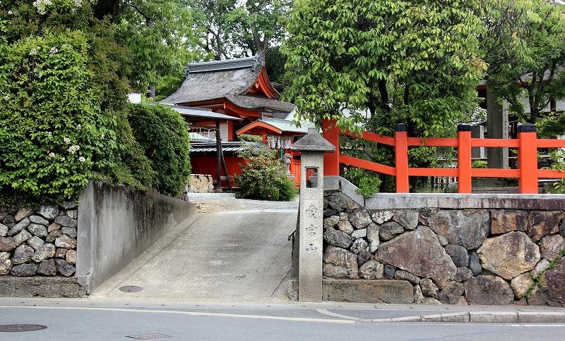 京都 福王子神社 西の出入り口