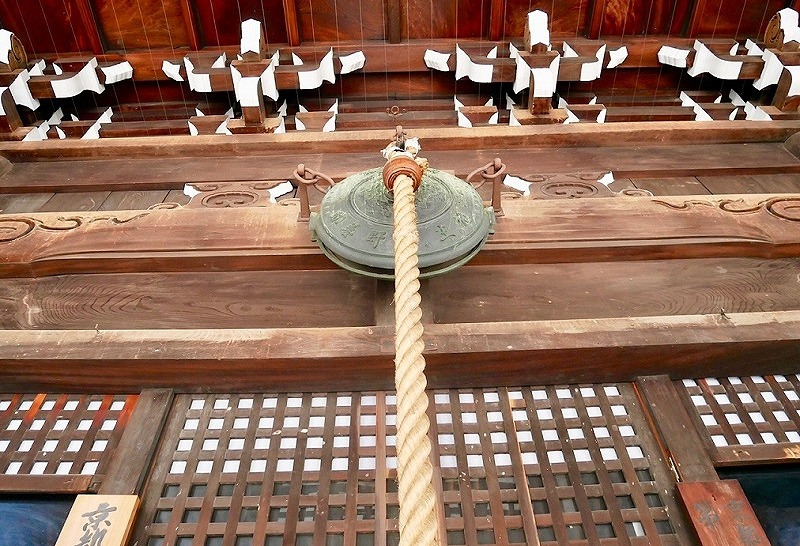 京都 佛光寺 お堂の鰐口