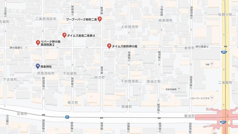 御金神社の駐車場
